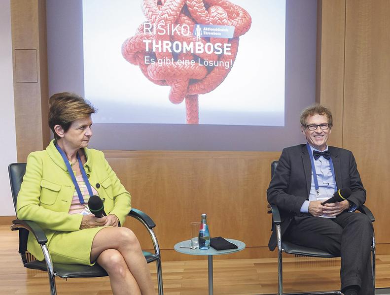 Bild von Podiumsdiskussion zum Welt-Thrombose-Tag. Teilnehmer: Dr. Jutta Schimmelpfennig und Prof. Dr. Rupert Bauersachs