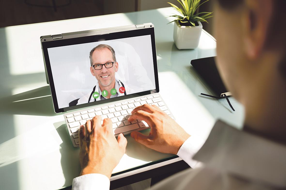 Videosprechstunde mit einem Arzt. Thema: Digitale Medizin