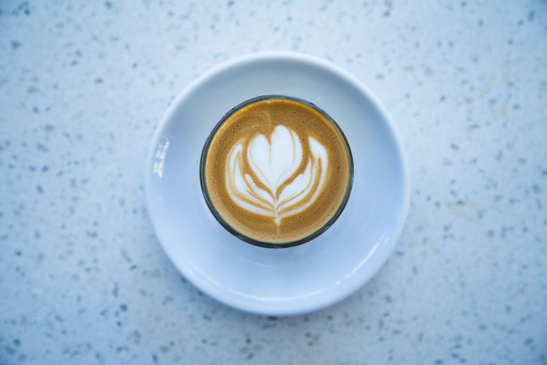 Kaffeetasse. Thema: Tödliches Quartett